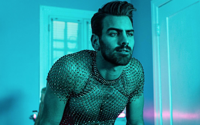 Nyle DiMarco made an ASL version of Ariana Grande's '7 Rings' music video